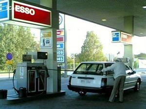 مشکلات رانندگان با پمپ بنزین به روایت تصویر!