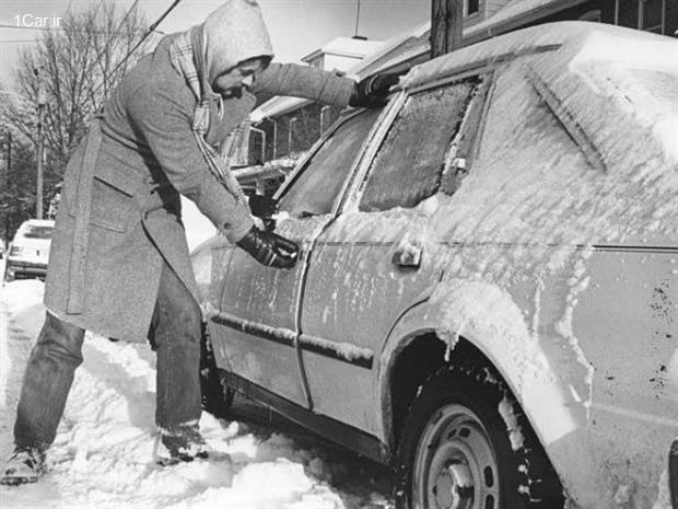 ترفندهایی برای مقابله با یخ زدن زمستانی درهای ماشین